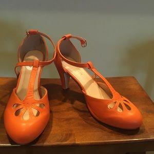 Chase + Chloe Orange Retro Heels